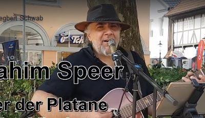 Ibrahim Speer unter der Platane